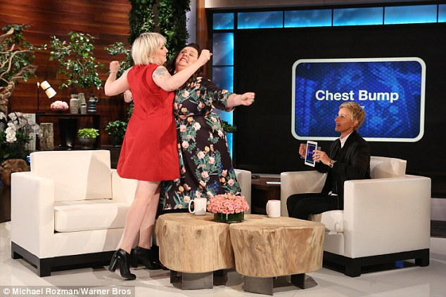"Melissa McCarthy And Lena Dunham Play ""Heads Up"" On Ellen!"