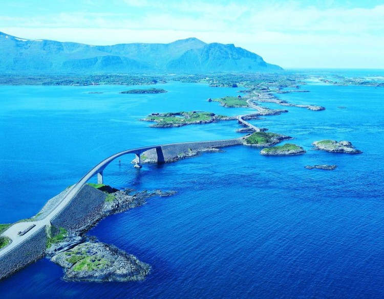 10 Of The Most Beautiful Roads Around The World
