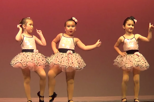 "Sassy 6-Year-Old Steals The Show Dancing To Aretha Franklin's ""Respect"""