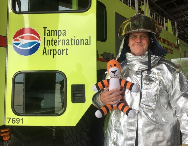 "Thanks To These Awesome Aviators, Little Boy's ""Pet"" Tiger Goes On A Grand Adventure Throughout The Airport"